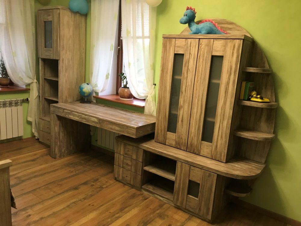 Авторская мебель для детской комнаты из массива