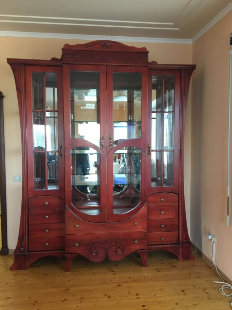 Резная мебель из массива: комод, шкаф, прихожая
