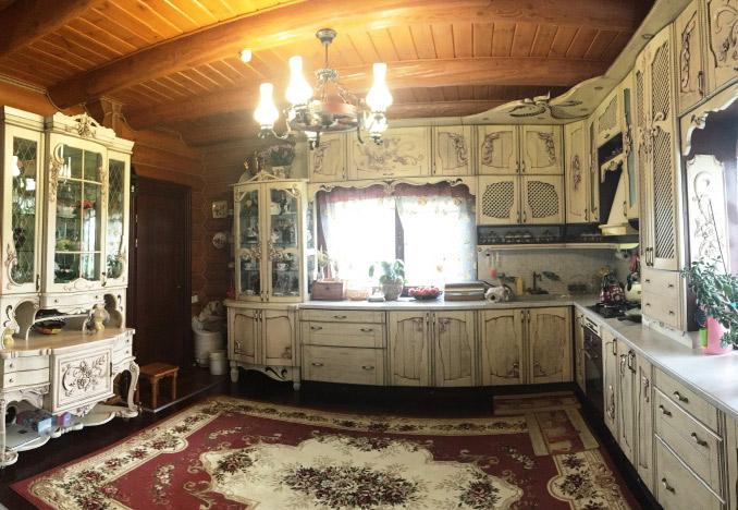 Кухня и буфет из натурального массива дуба. Эксклюзив!